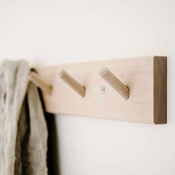 móc treo quần áo đa năng sản xuất từ gỗ thông